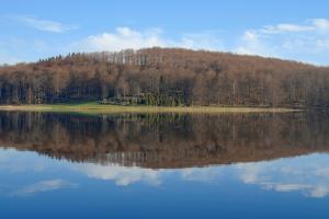 Humsjön morgon spegel
